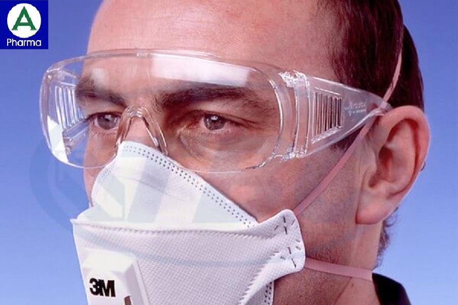 Đeo kính bảo hộ để tránh tổn thương mắt
