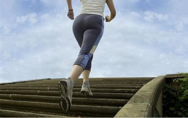 Chạy bộ giúp làm tăng sức đề kháng, giúp bạn thải độc, tăng sức bền hơn