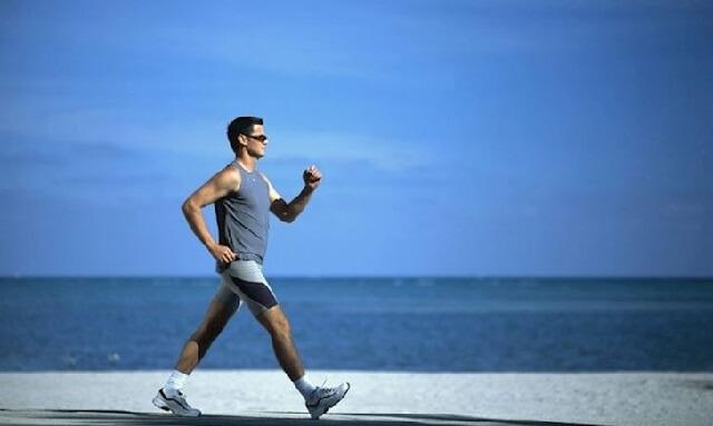Đi bộ là một cách để rèn luyện thể chất
