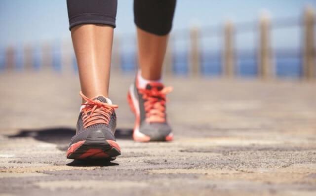 Đi bộ là một loại vận động rất tốt cho cơ thể