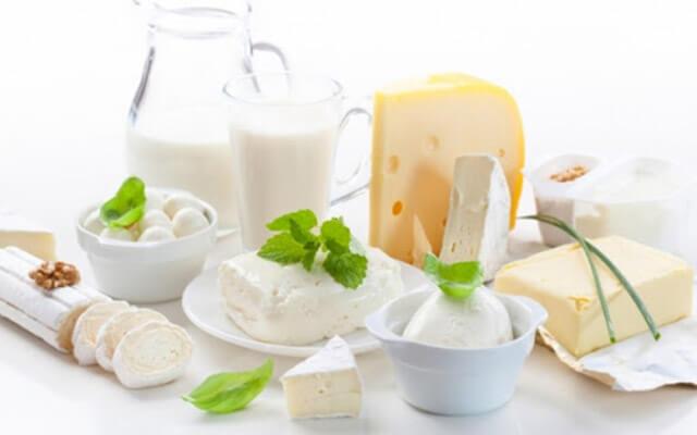 Không uống sữa khi bị viêm mũi dị ứng