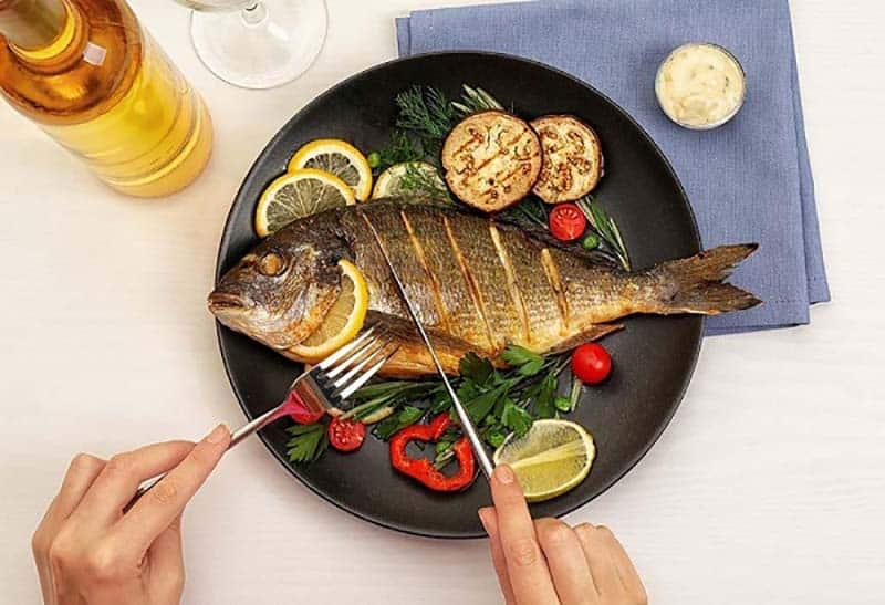 Ăn cá giúp giảm đau và sưng do viêm khớp
