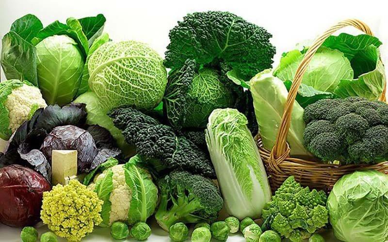 Ăn rau xanh khi sử dụng thuốc Luxanthin E