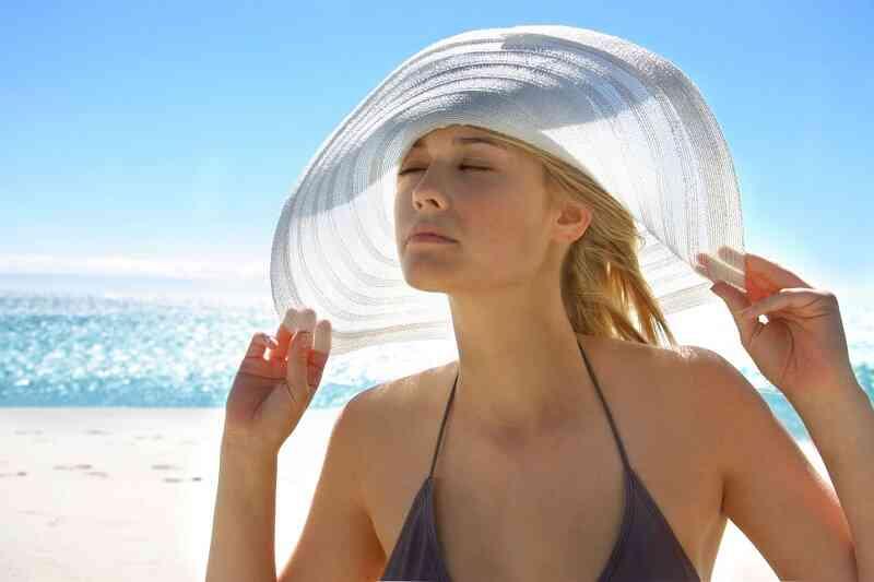 Bảo vệ da trước ánh nắng mắt trời