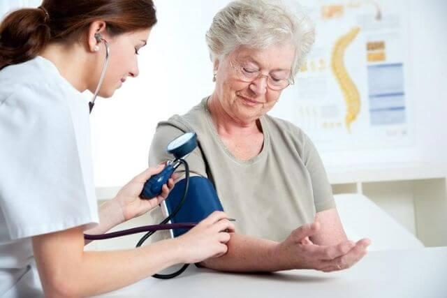 Công dụng của thuốc điều trị tăng huyết áp Coversyl Plus như thế nào?