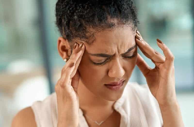 Đau nửa đầu bao gồm Migraine tiền triệu và không có tiền triệu