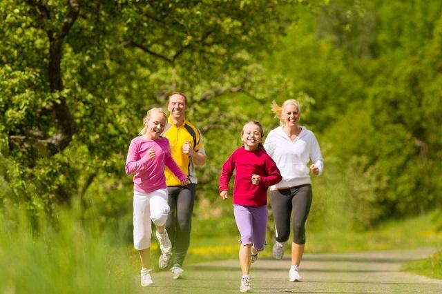 Duy trì lối thói quen vận động, luyện tập thể dục thể thao hằng ngày, giúp nâng cao sức đề kháng tăng cường sức khỏe