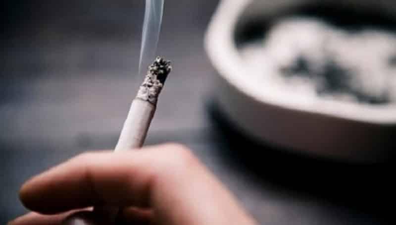 Hút thuốc lá nhiều gây nguy cơ mắc bệnh cholesterol cao