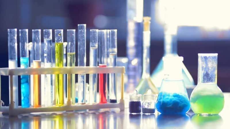 Vô sinh ở nam giới xuất phát từ việc tiếp xúc với hóa chất độc hại