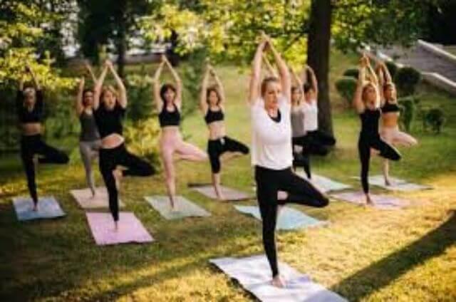 Tập thể dục - một trong những cách hiệu quả chống say xe