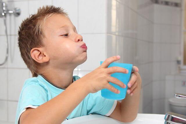 Nước muối sinh lý Natri Clorid 0,9% có tác dụng