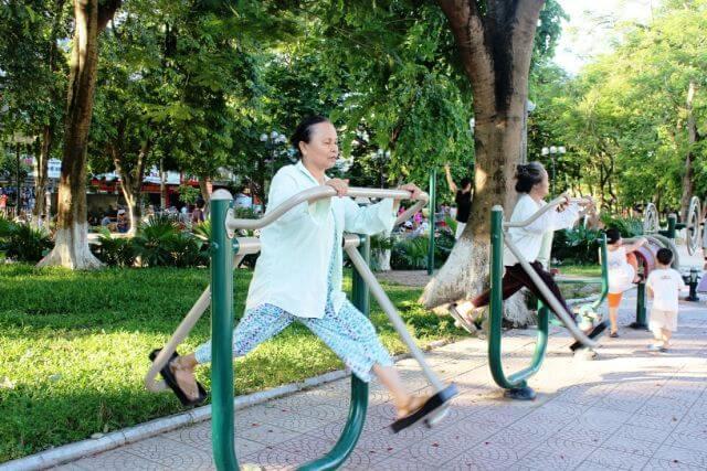 Chế độ vận động tăng cường sức khỏe, ngăn ngừa các tác nhân gây hại từ môi trường.