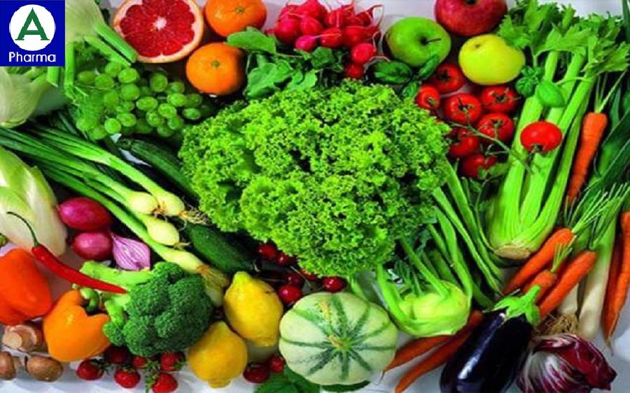 Nên ăn nhiều rau và trái cây để nâng cao hệ miễn dịch và tăng đề kháng cơ thể.