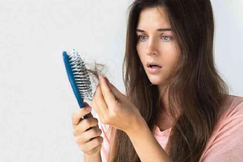 Rụng tóc là bệnh gì?