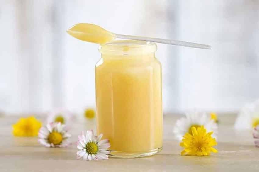 Tác dụng của sữa ong chúa tươi