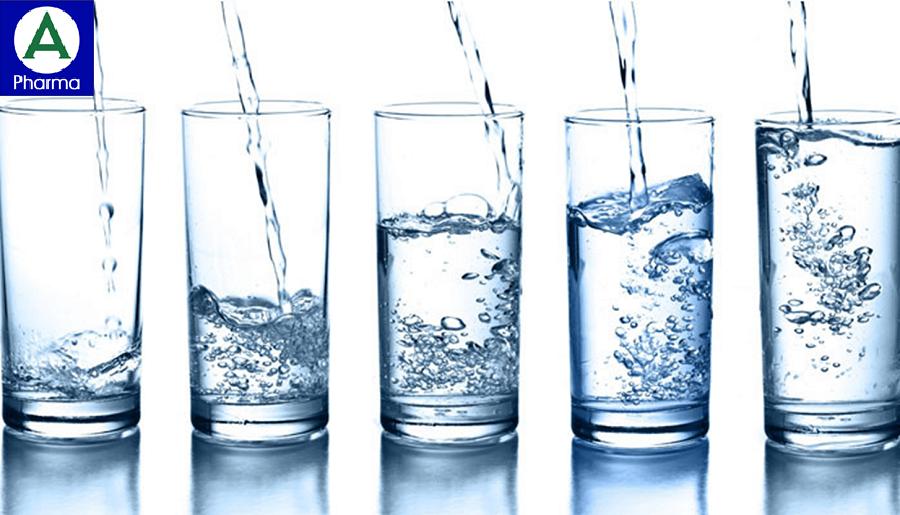 Uống nhiều nước tốt cho cơ thể và đôi mắt